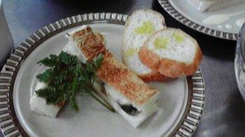 20100526 モッツァレラとパンの挟み揚げ.jpg