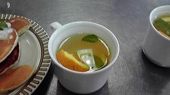 20110825 ミントとオレンジのハーブティ.jpg
