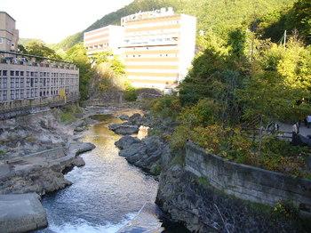 20100930月見橋見える豊平川.JPG